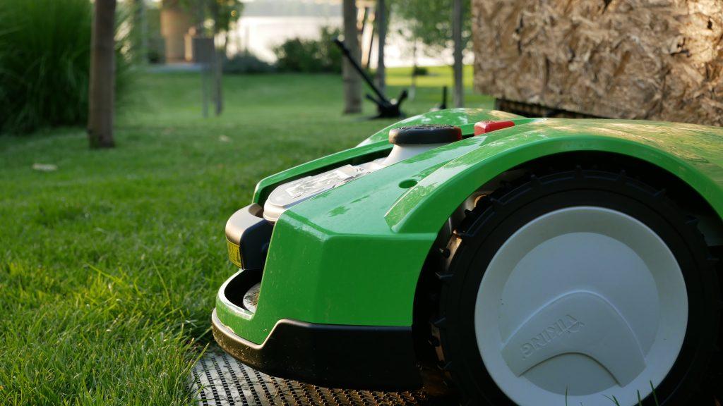 Robot de tuns iarba IMOW VIking