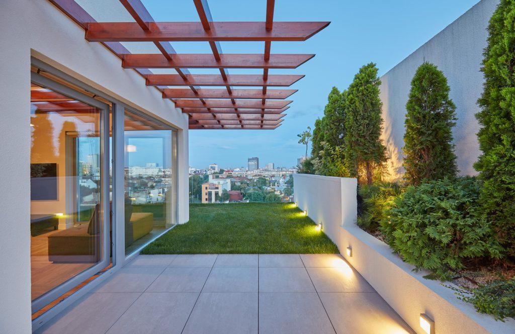 Blocul verde: Amenajare gradina penthouse, terasa verde, gradina pe acoperis, spatii verzi acoperis